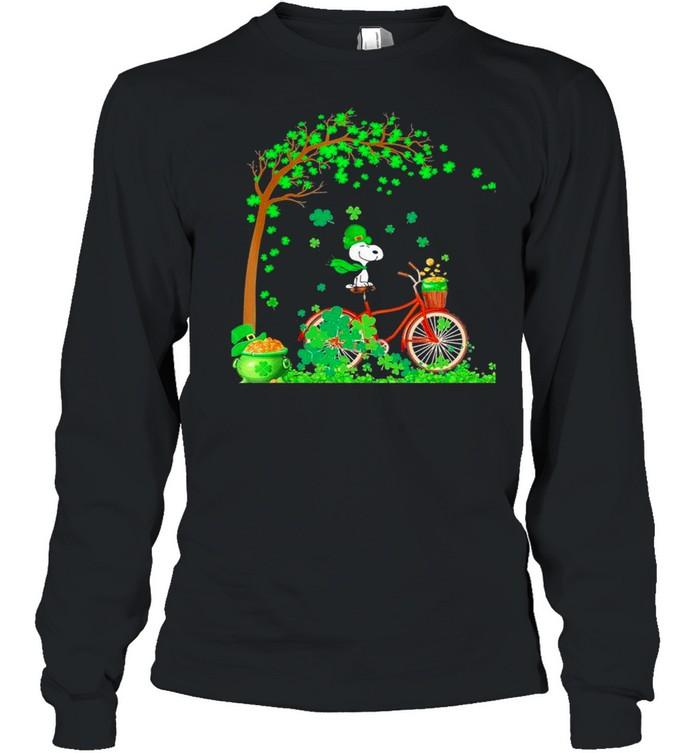 Bicycle Snoopy Patrick Tree Happy Patricks Day 2021 shirt Long Sleeved T-shirt