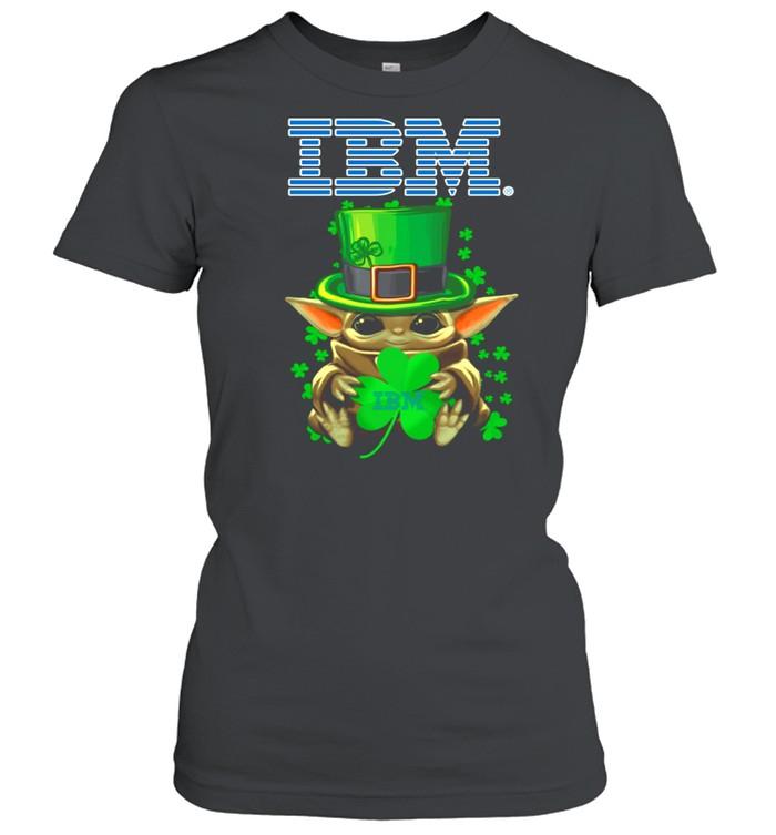 Baby Yoda Hug A Three Leaved Clover Lucky shirt Classic Women's T-shirt